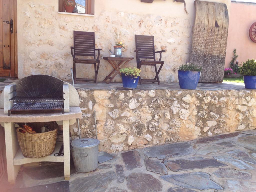 Casa rural con piscina la gesta casa rural en guadalajara for Barbacoa y piscina madrid