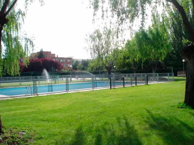 piscina jadraque - El pueblo