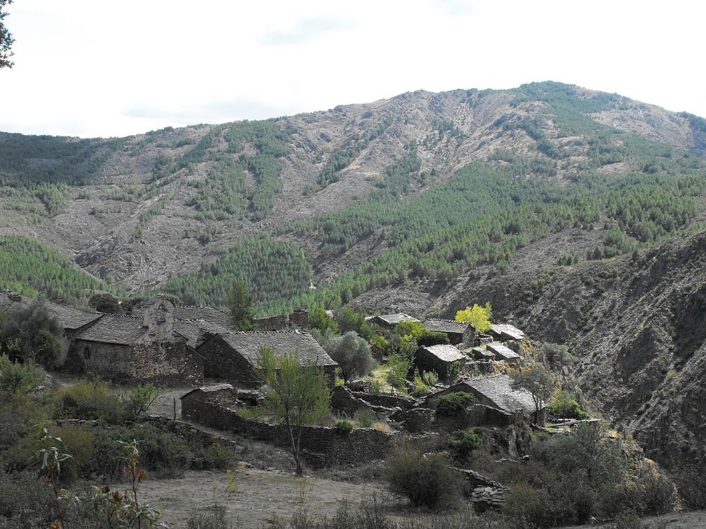 pueblosnegrosguadalajara
